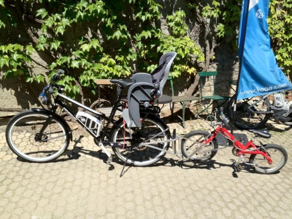 Porter vos deux enfants avec un seul vélo ? Facile !