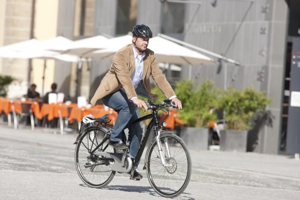 C'est la crise? Achetez-vous un vélo électrique et économisez de l'argent!