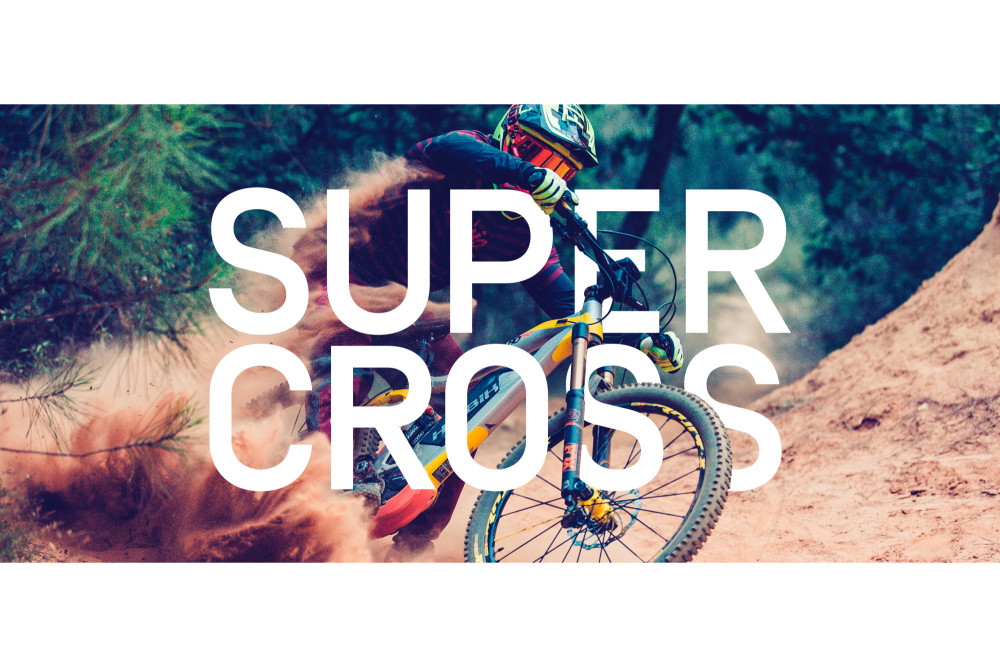 easycycle monte dans les tours au Supercross de Genève